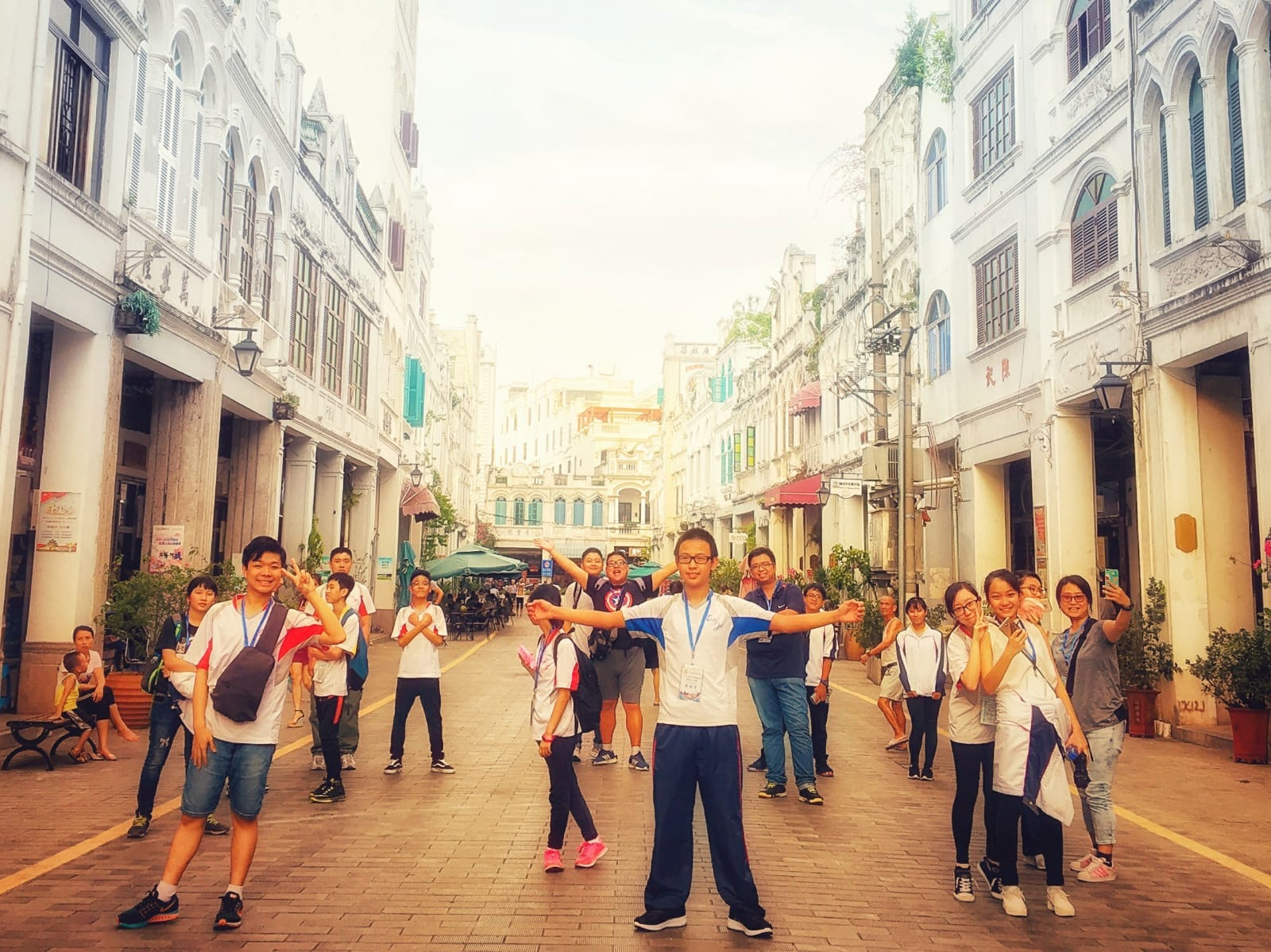 We were posing like a movie poster at Qilou Old Street, an area where tradition buildings in Hai Nan were preserved.