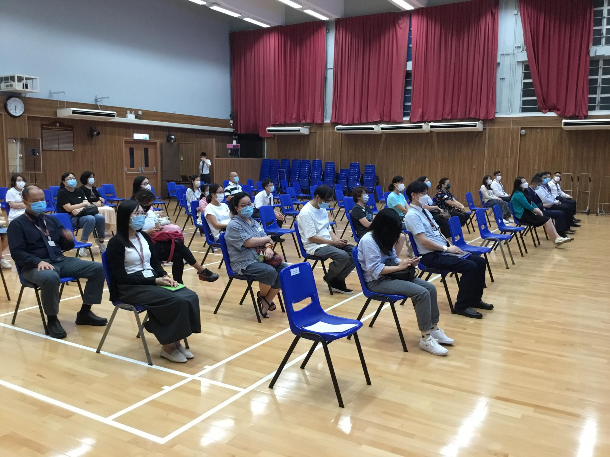Many parents attended the Parents' Night.